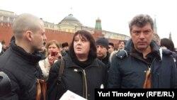 С белыми лентами на Красной площади. Борис Немцов, Сергей Удальцов. 08.04.2012