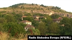 Село во мариовскиот крај