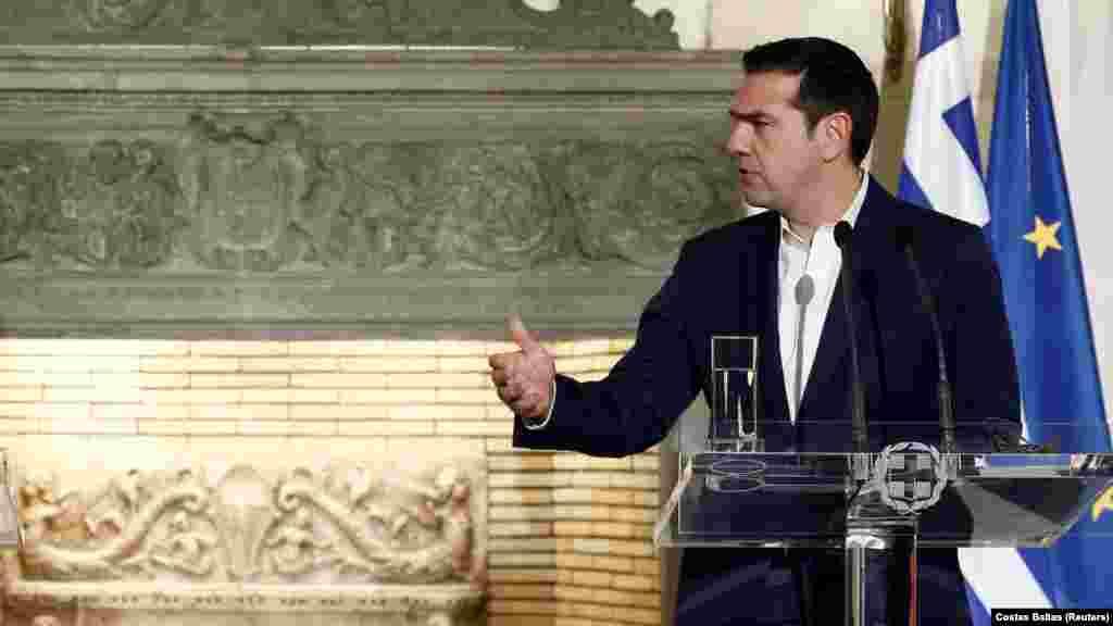 ГРЦИЈА - Грчкиот премиер Алексис Ципрас по средбата со претседателот на Европската комисија, Жан Клод Јункер порача дека неговата земја по прв пат на толку решителен начин се обидува да најде заемно прифатливо решение за името.