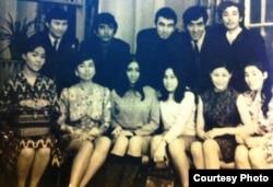 Студентка ВГИКа Шапига Мусина (вторая слева в первом ряду).