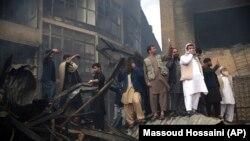 آرشف: آتشسوزی در یک مارکیت در جادۀ نادرپشتون کابل، عکس جنبۀ تزئینی دارد، ۲. نوابر. ۲۰۱۸