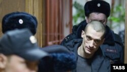 Pyotr Pavlensky appears at Moscow's Tagansky District Court