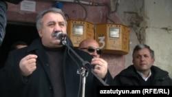 Սասուն Միքայելյանը նախընտրական հանդիպման ժամանակ, Հրազդան, 25 հունվար, 2012
