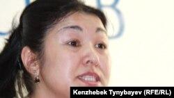 Предпринимательница Канагат Такеева на пресс-конференции. Алматы, 24 ноября 2010 года.