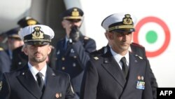 Морські піхотинці Массіміліано Латорре (п) і Сальваторе Джироне (л), архівне фото