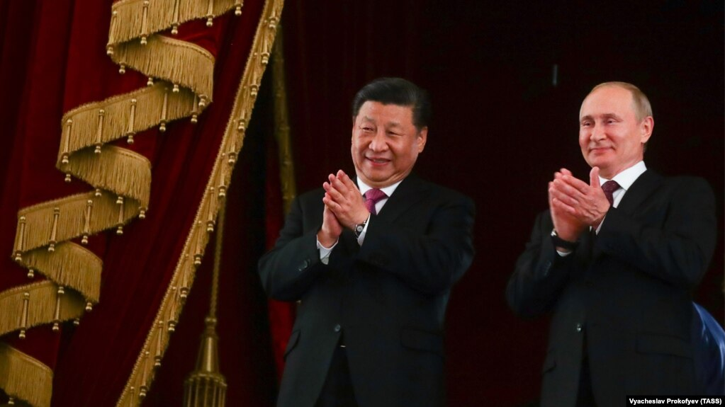 Главу КНР Си Цзиньпин и президент России Владимир Путин