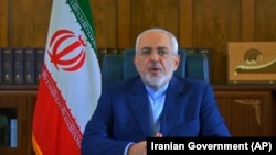 تصویری از ویدیویی که محمدجواد ظریف وزیر خارجه ایران در یوتیوب منتشر کرده است