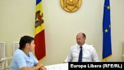 Moldovan Prime Minister Valeriu Strelețs sits down for an interview with RFE/RL in Chisinau.