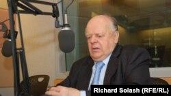 Беларусьтің тұңғыш президенті Станислав Шушкевич Азаттық радиосына сұхбат берді. Вашингтон, 29 наурыз 2012 жыл.