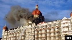 هتل مجلل تاجمحل از جمله هدفهای تروریستها در شهر بمبئی بود. (عکس: epa)