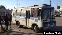 Автозак у парка Горького