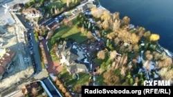 Маєток в елітному селищі Козин під Києвом, де прописаний банкір Микола Лагун