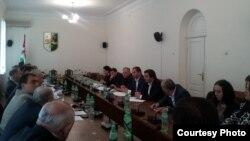 Комитет не рекомендовал парламенту к принятию законопроекты, регламентирующие вопросы оборота жилой недвижимости в Абхазии. Но они тем не менее будут рассматриваться на заседании сессии