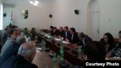 Все члены профильного комитета проголосовали за вынесение двух соглашений на ближайшее заседание сессии парламента для ратификации