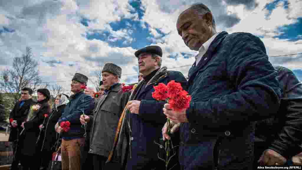 Сімферополь. 166 років від дня народження кримськотатарського просвітителя Ісмаїла Гаспринського, 21 березня 2017 року