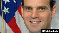 Nënsekretari i thesarit për terrorizëm dhe inteligjencë financiare i Shteteve të Bashkuara, Dejvid Kohen