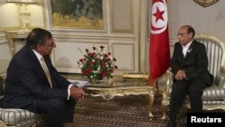 U.S. Secretary of Defense Leon Panetta (left) meeting July 30 in Tunis with Tunisian President Moncef Marzouki.