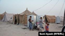 اطفال في مخيم علياوة في خانقين