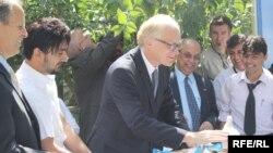 EU envoy Kai Eide helping celebrate World Peace Day in Kabul in mid-September