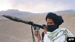 یکی از جنگجویان طالبان، عکس تزئینی است