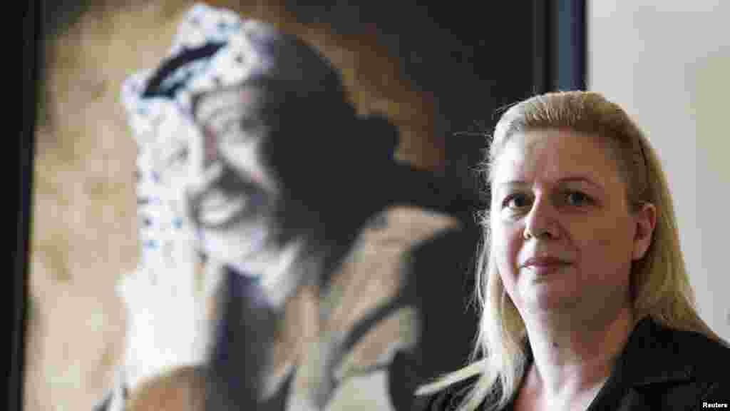 Вдова Ясира Арафата выступила 7 ноября с заявлением о том, что данные проведенных в Швейцарии исследований, показывают, что в 2004 году ее супруг был смертельно отравлен полонием. Суха Арафат (на фото) назвала смерть мужа «политическим убийством».
