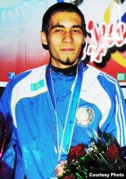 Паралимпиадаға қатысатын қазақстандық спортшы Ислам Сәлімов (Сурет Қызылорда облыстық әкімдігінің ресми сайтынан алынды)