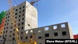 На месте снесенного жилого комплекса «Бесоба» строят жилой комплекс «Шапагат».