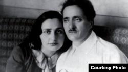 В 1936 году Нестор Лакоба был отравлен, а в следующем году вся его семья испытала на себе ужасы сталинских репрессий: 17 августа Сарию Лакоба арестовали, а в октябре начался процесс «тринадцати лакобовцев», которых обвинили в заговоре против Сталина