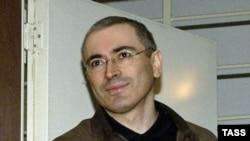 Mihail Khodorkovski, na suđenju u Moskvi, 2005.