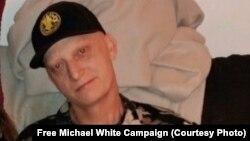 مادر مایکل وایت در بهمن ماه امسال، با اشاره به اینکه بیماری سرطان فرزندش بازگشته خواستار آزادی او شده بود