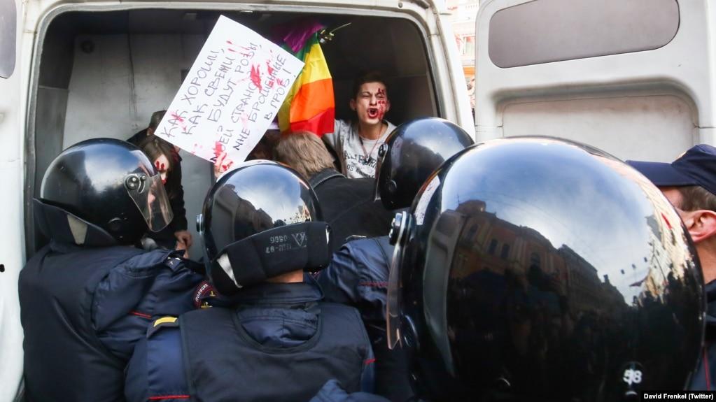 Задержание защитника прав представителей ЛГБТ-сообщества. Петербург, 1 мая 2017 года