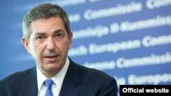 Stavros Lambrinidis isi va începe mandatul pe 1 septembrie.