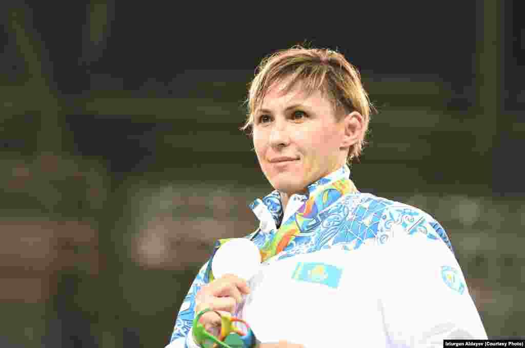 38 жастағы Гюзель Манюрова әйелдер күресінен 75 килограмда олимпиада күмісін алды. Ол финалда канадалық Эрика Уибеден жеңілді. Манюрова Лондон олимпиадасында қола иеленген.