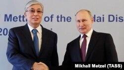Қазақстан президенті Қасым-Жомарт Тоқаев және Ресей президенті Владимир Путин. Сочи, 3 қазан 2019 жыл.