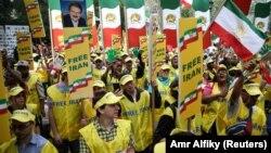 تظاهرات مخالفان همزمان با حضور روحانی در مقر سازمان ملل. ۲۹ شهریور ۹۶