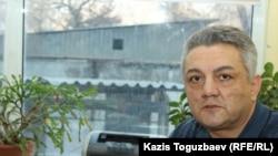Каспий университетіне қарасты «Әділет» жоғарғы құқық мектебінің профессоры Әлипаша Қараев. Алматы, 1 наурыз 2017 жыл.