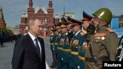 Putin na paradi u Moskvi