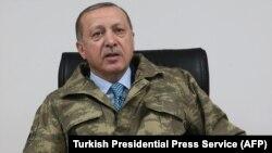 Թուրքիայի նախագահ Ռեջեփ Էրդողանը «Ձիթենու ճյուղ» գործողության շտաբում, Հաթայ նահանգ, 25-ը հունվարի, 2018թ․