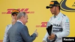 Льюис Хэмилтон в этом году выиграл первый в истории Гран-При России в Сочи