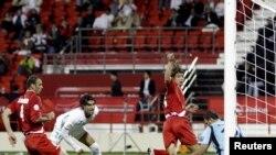 من مباراة العراق وإيران في البطولة الآسيوية