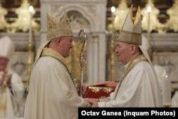 Prin ceremonia de sâmbătă, Aurel Percă ia în primire canonică Arhidieceza Romano-Catolică de Bucureşti.