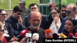 """""""Я не ожидаю задержания, потому что ничего не совершал"""", – это слова Малхаза Мачаликашвили, произнесенные им перед тем, как войти в здание """"модуля"""""""
