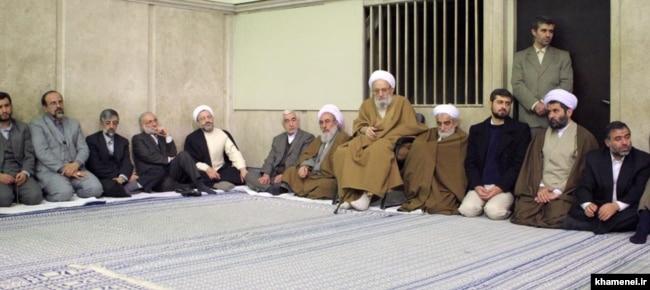 باقری کنی، مهدوی کنی و حداد عادل در دیدار دانشجویان امام صادق با رهبر جمهوری اسلامی