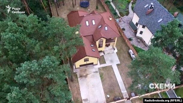 Будинок, з якого прокурор ГПУ Сергій Стороженко вранці вирушає на роботу, офіційно оформлений на його матір
