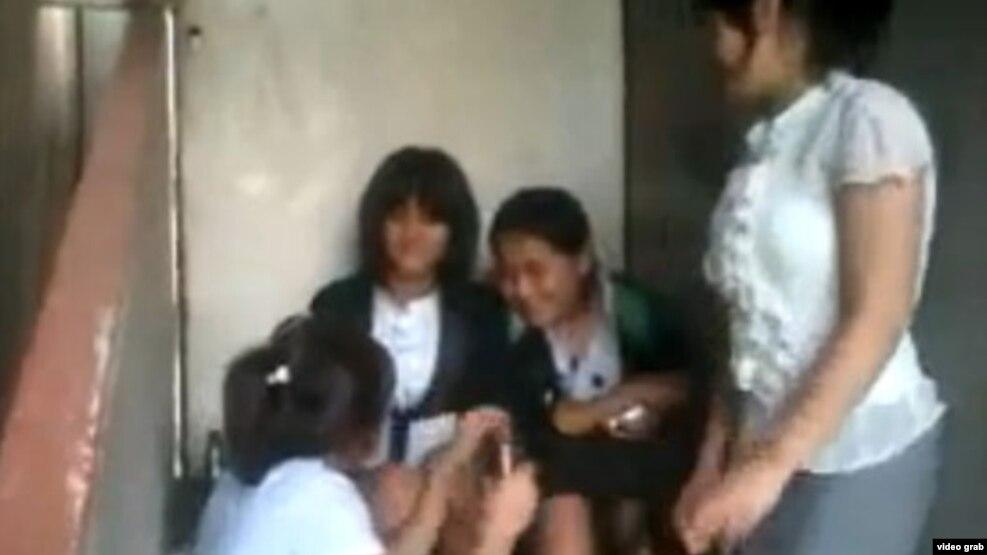 школьницы лизбиянки видео