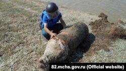 Авиационная бомба, которую нашли на берегу озера Сиваш