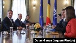 Președintele Klaus Iohannis la primele consultări politice, la Palatul Cotroceni, 11 octombrie 2019