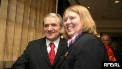 Посол США в Белоруссии Карен Стюарт покинула Минск еще в марте