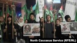 Участники шествия вспоминали и достойных представителей России