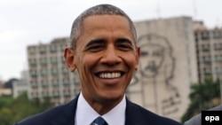 АҚШ президенті Барак Обама Гаванадағы Революция алаңында тұр. 21 наурыз 2016 жыл.